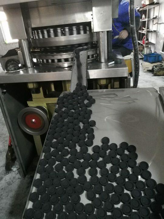working-effect-of-the-hookah-charcoal-press-machine